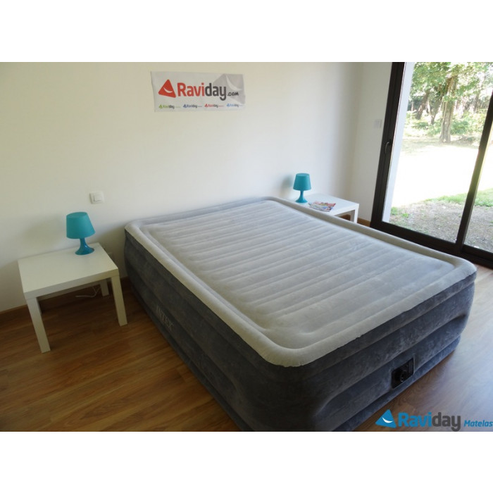 matelas gonflable intex comfort plush fiber tech 2 places. Black Bedroom Furniture Sets. Home Design Ideas