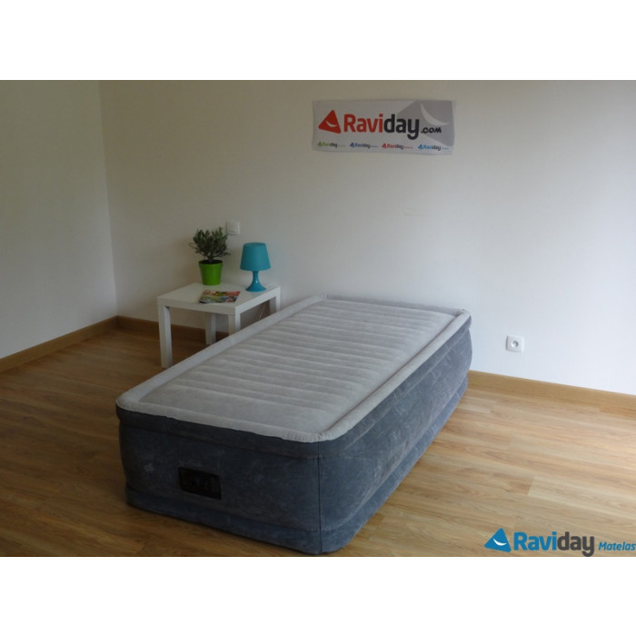 matelas gonflable lectrique intex comfort plush 1 place. Black Bedroom Furniture Sets. Home Design Ideas
