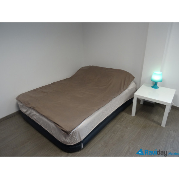 combicouette bleu calin pour matelas gonflable 2 places pralin beige raviday matelas. Black Bedroom Furniture Sets. Home Design Ideas
